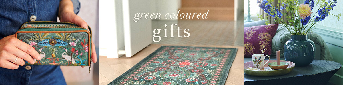 25x Green coloured gifts