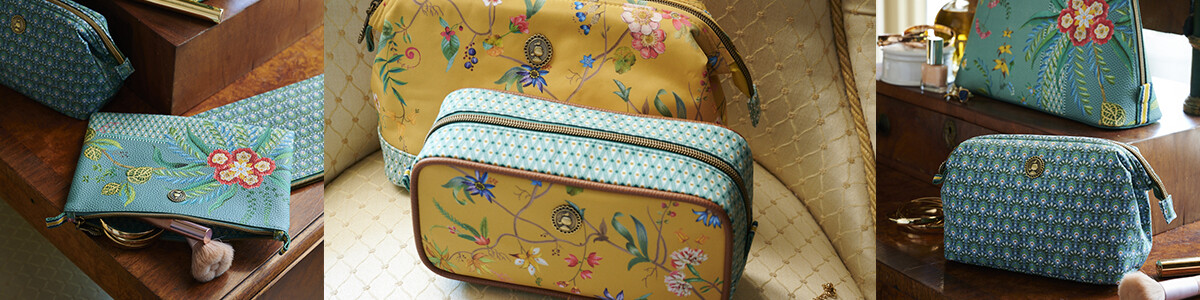Toiletry & make-up bags