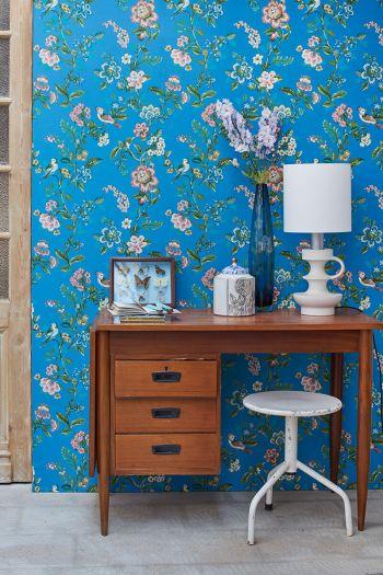 wallpaper-non-woven-vinyl-flowers-bird-crystal-bleu-pip-studio-botanical-print