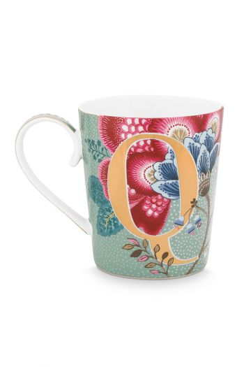 Letter-mug-light-blue-floral-fantasy-Q-pip-studio