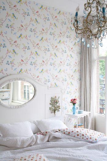 wallpaper-non-woven-vinyl-flowers-bird-off-white-pip-studio-early-bird