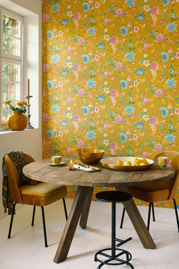 wallpaper-non-woven-vinyl-flowers-yellow-pip-studio-good-evening