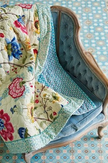 Quilt Floral Fantasy Ecru