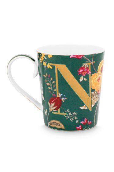 Letter-Tasse-grün-floral-fantasy-N-pip-studio
