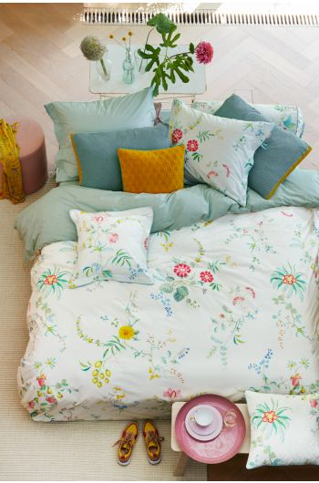 Duvet-cover-fleur-grandeur-white-flowers-pip-studio-two-persons