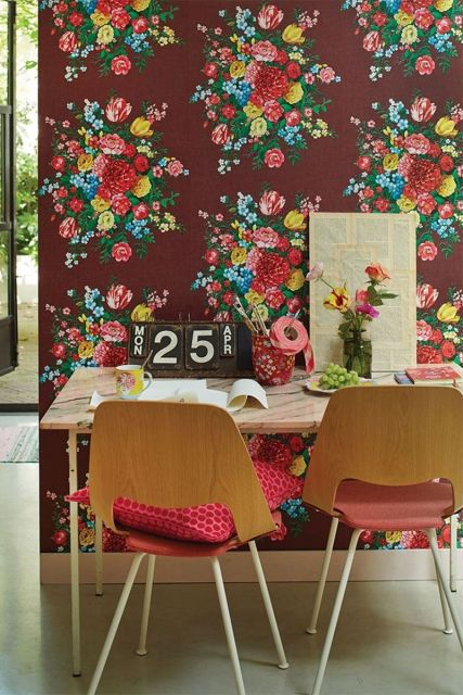 wallpaper-non-woven-vinyl-flowers-Burgundy-pip-studio-dutch-painters