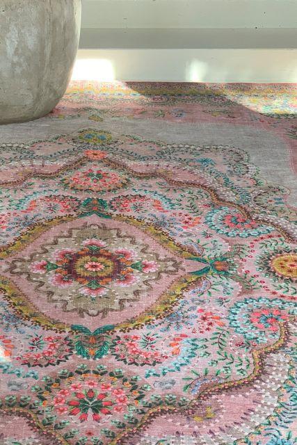 Carpet-bohemian-pastel-pink-floral-majorelle-pip-studio-155x230-200x300