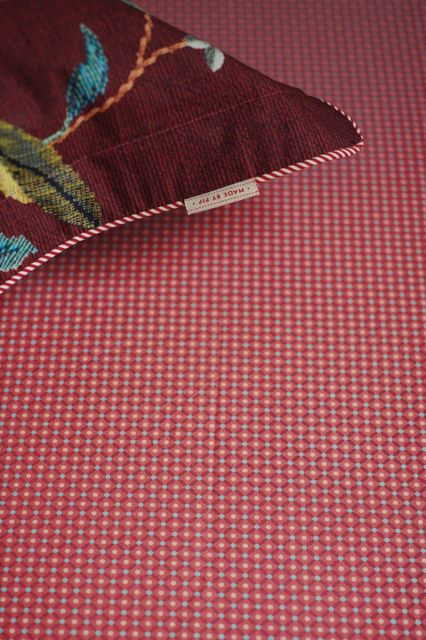 hoeslaken-roze-onderlaken-cross-stitch-pip-studio-180x200-140x200-katoen